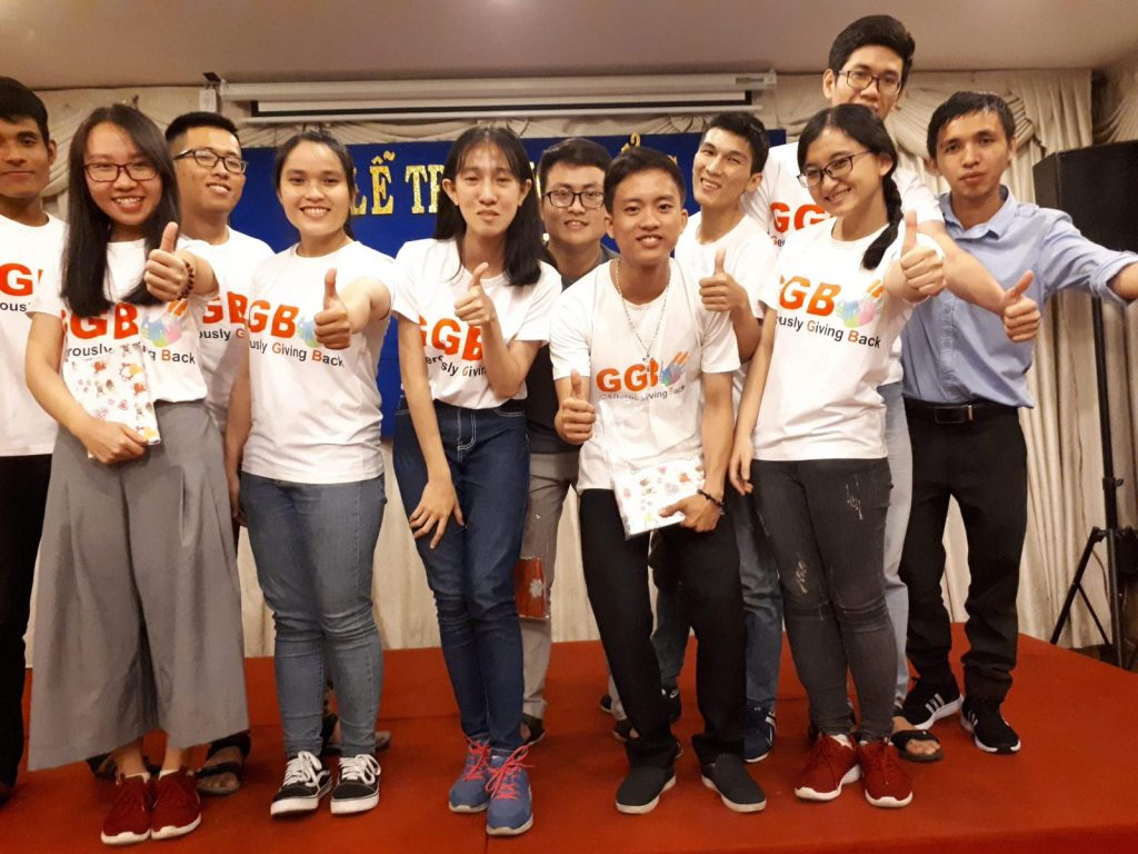 2018-12- scholarship distribution in Vietnam to students