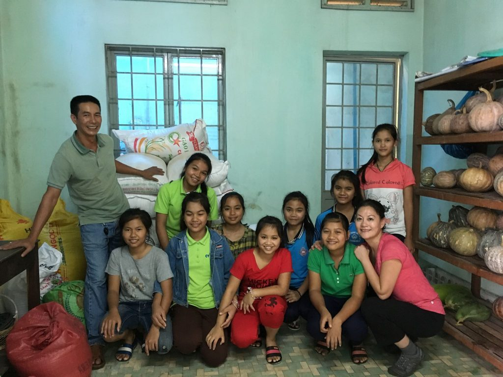 2016-11-14-VN-gia lai-mental-disabled-camp