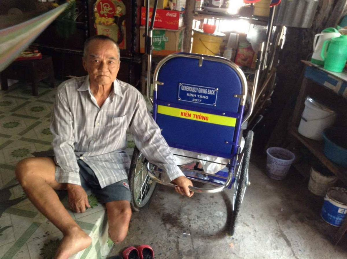 2017-03-lu-van-an-mobile-chair-vietnam (1)